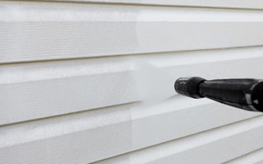 Is It Safe To Pressure Wash A House With Vinyl Siding?